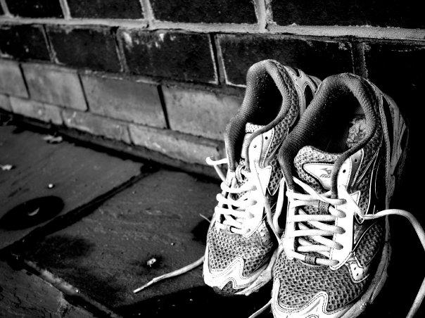 Running trainers in black & white